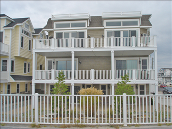3200 Boardwalk North
